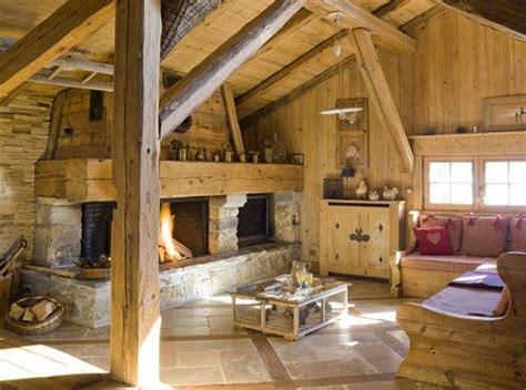 chalet en bois jura montagne chalet int 233 rieur d un chalet chemin 233 e meubles en bois du jura charpente en bois poutres