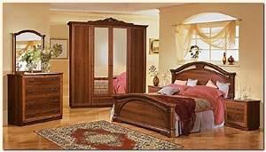 Decoration chambre meuble bois exemples d39amenagements for Chambre à coucher adulte moderne avec prix pour un bon matelas
