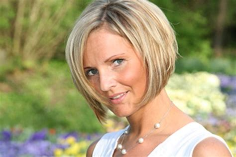 Latest Hairstyles For Women Over 50