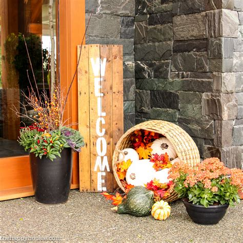 Ideas For Fall Front Porch by Easy Diy Fall Front Porch Decor The Happy Housie