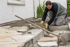 Rasen Aerifizieren Geräte : gartenweg anlegen anleitung diy gartenweg aus holz eine ~ Lizthompson.info Haus und Dekorationen