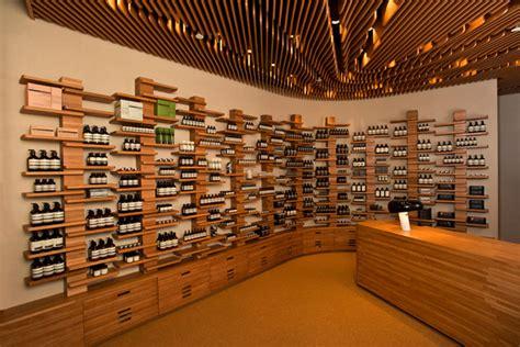 sophisticated wavy wooden ceiling  invite memorable feeling homesfeed