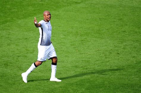 Andre Ayew reacts to Swansea's away win at Wycombe ...