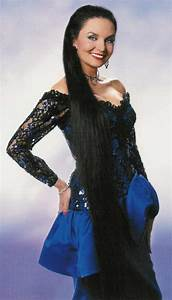 Crystal Gayle HairStyles - Women Hair Styles Collection