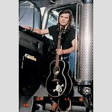 Young Johnny Cash | 398 x 600 jpeg 169kB