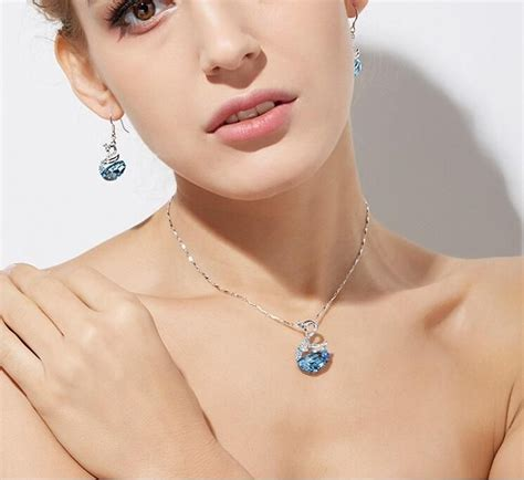 fashion jewelry swan earrings  women  shopping