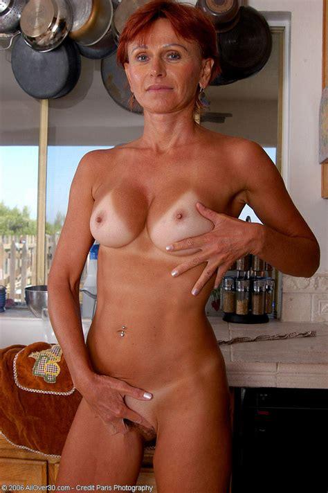 Hot Redhead Milf Posing In Her Kitchen Imgur