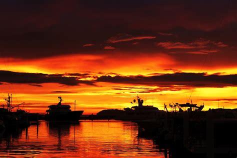 Amazing Sunsets Bellisima