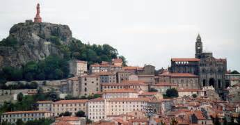 Le En by File Le Puy En Velay 01 Jpg Wikimedia Commons