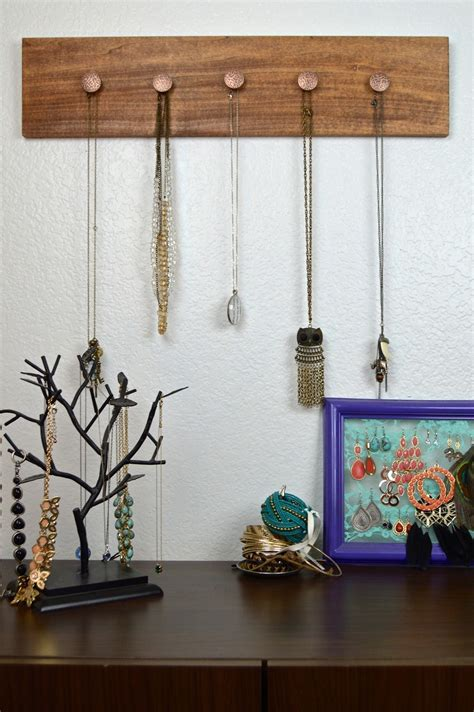 knobbed wooden jewelry hanger     jewelry