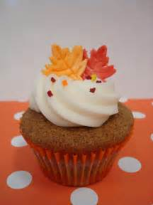 thanksgiving cupcakes on