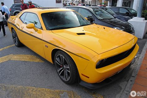 Dodge Challenger SRT8 392 Yellow Jacket   26 April 2016