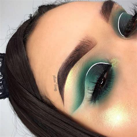 cut crease makeup    eyes  pop ritely