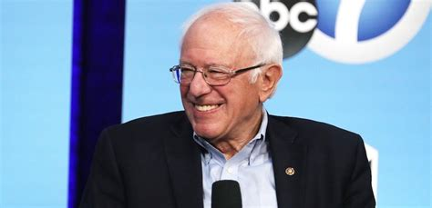 bernie sanders media blackout    win