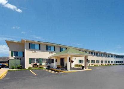 comfort inn and suites green bay comfort inn green bay green bay deals see hotel photos