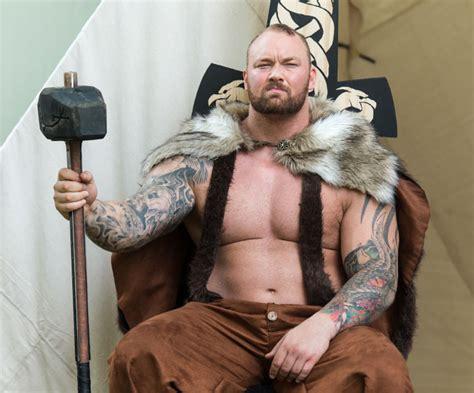 game  thrones hafthor julius bjornsson shares worlds