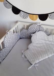 Lit Bebe Nuage : tour de lit et gigoteuse nuage moutarde guili gribouilli ~ Teatrodelosmanantiales.com Idées de Décoration