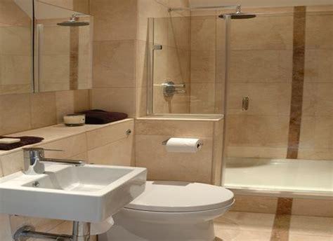 contoh keramik kamar mandi minimalis  rumah