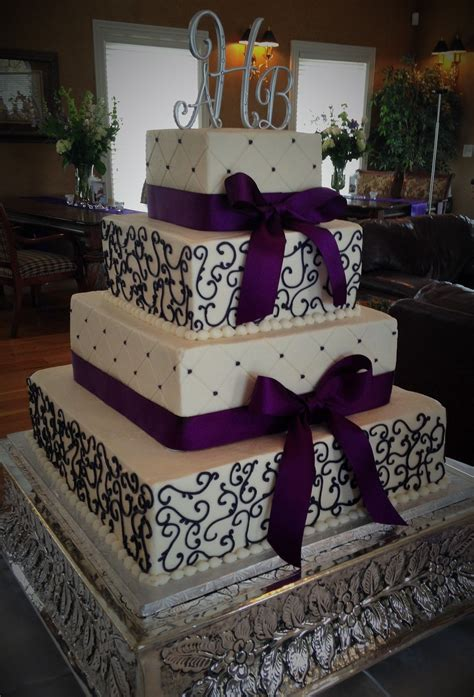 tier square wedding cake wdeep purple details wedding