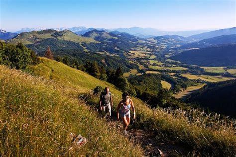 bureau vallee tours le tour de la vallée verte savoie mont blanc savoie et