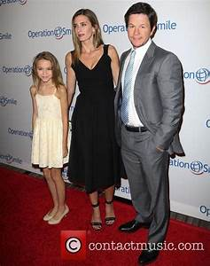 Ella Wahlberg - 2015 Operation Smile Gala   5 Pictures ...