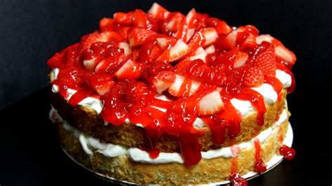 3 pi鐵es cuisine and easy strawberry food cake