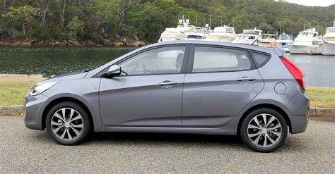 hyundai accent review sr  caradvice