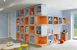 Zimmer Farbig Gestalten : babyzimmer gestalten mit offenen regalen ordnung und behaglichkeit ~ Markanthonyermac.com Haus und Dekorationen