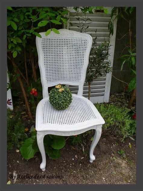 chaises cannées 17 best images about tabourets chaises fauteuils