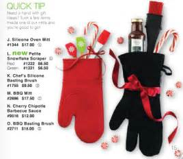 pered chef 2013 christmas catalog great gift ideas silicon oven mitt stocking gifts
