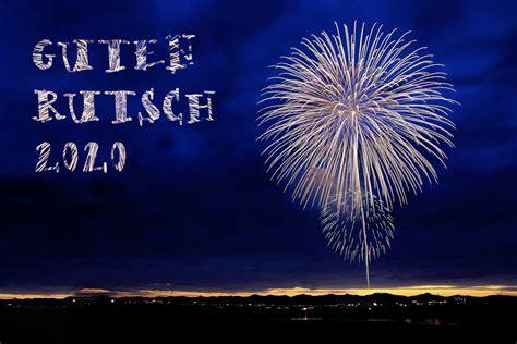 neujahrsgruesse mit feuerwerk neujahrsbilder