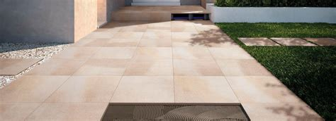 piastrelle per terrazze esterne pavimentazioni esterne piastrelle per pavimenti