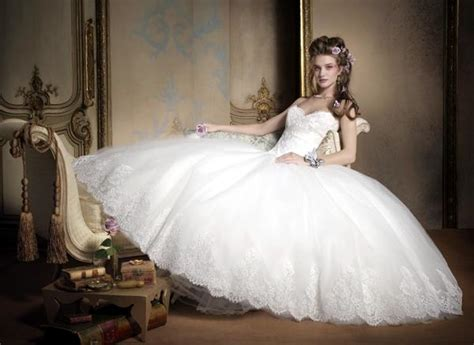 Most Popular Wedding Dress Designers Femininex