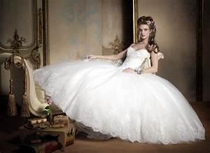 Most popular wedding dress designers femininex for Best wedding photos ever