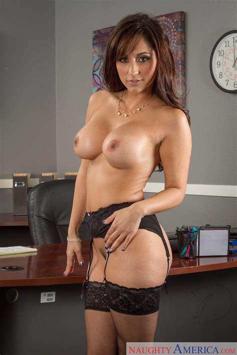 Great Looking Secretary Is Doing Her Job MILF Fox