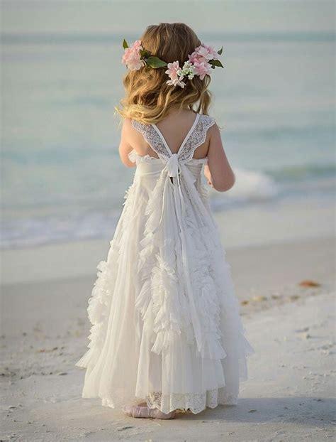 favorite feathers   wedding flower