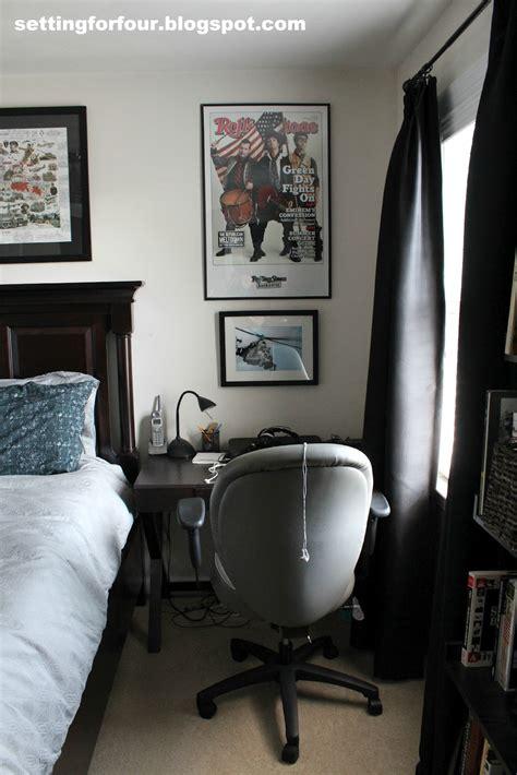 teen boy wall decor boy s bedroom setting for four 6025