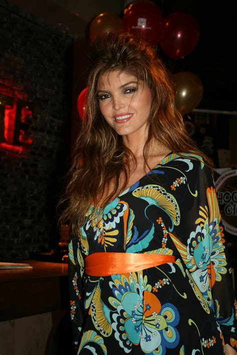 Actress and Celebrity Pictures: Ana Barbara
