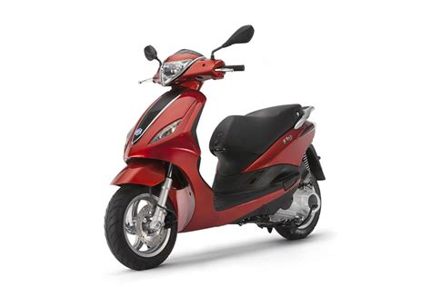2014 Piaggio Fly 125 3v Review Top Speed