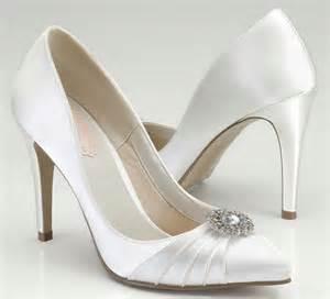 escarpin blanc mariage escarpins de mariée allongez votre silhouette