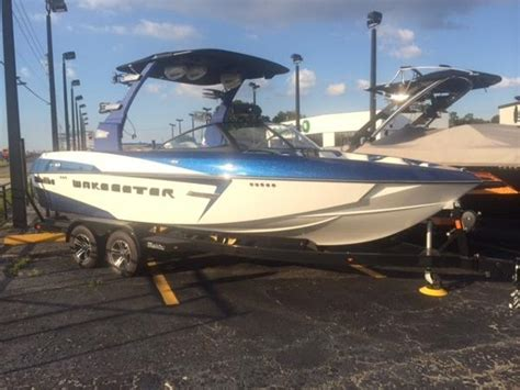 Used Malibu Boats For Sale Craigslist by 2015 Malibu Wakesetter 22 Vlx Power Boat For Sale Www