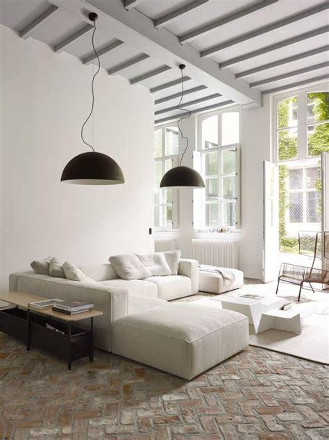 canape boheme salon avec un canapé blanc 12 idées déco s 39 inspirer
