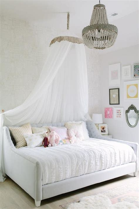 daybed  tasseled canopy eclectic bedroom