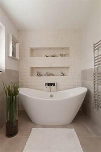 salle de bain rustique grace au mur en pierre creatif With salle de bain design avec evier exterieur en pierre reconstituée