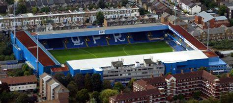 Loftus Road Stadium Guide - QPR | Football Tripper