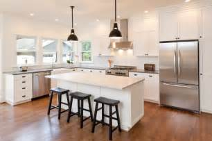 Installing Laminate Floors In Kitchen by 52 Enticing Kitchens With Light And Honey Wood Floors