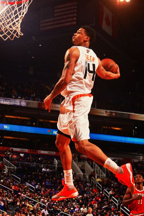 top  nba dunks   night  green griffin gay