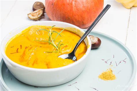 Einfache Kürbissuppe Mit Kokosmilch Und Curry Feiersunde