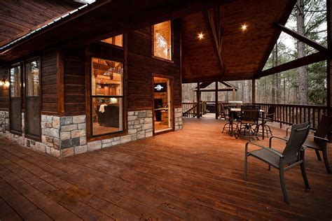 Hillside Hideaway Cabin in Broken Bow, OK   Sleeps 4