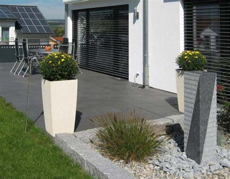 dunkle farben farbwelten terrassenplatten